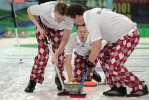 norway-curling-team-olympics-red-checkered-pants-21351780812d806d_large